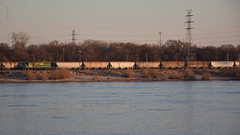 Across the Mississippi (Robby Gragg) Tags: prairie line sd402 3001 east st saint louis