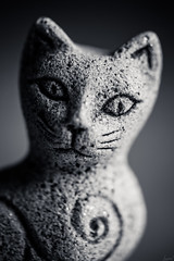 Le chat en granit. (LACPIXEL) Tags: macromondays handmade macro granit pierre chat cat gato miniature statuelle bretagne france granito granite roche stone roca piedra rock nikon tamron flickr lacpixel