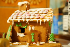 The gingerbread house (Henry Söderlund) Tags: sigma2470mm28 sigma sigma2470 sample images test photos lowlight street helsinki finland bokeh sigma2470mm28art sharpness vignetting distortion sonyfe sonye sony