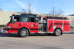 Village of Butler, Wisconsin Christmas Parade 2019 (raserf) Tags: village of butler wisconsin waukesha county volunteer dept department truck engine christmas parade 2019 pierce impel water fire holiday celebration