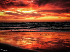 DC7DFE28-1155-4261-A307-FE297A2AB849 (Dan_lazar) Tags: sunset israel telaviv netanya beach sky clouds עננים שקיעה השתקפויות ים חוף נתניה תלאביב ישראל reflections