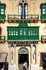 Gio. Batta Delia (Siuloon) Tags: giobattadelia architektura architecture architettura malta valletta miasto city color canon building facade old ancient apartments architectural background balcony beautiful bright crusader detail europe exterior green heritage chillax culture 2018 crusades european island getaway gio batta delia historic history holiday jewel mediterranean maltese mark bunting photography medieval ornate rel cityofculture2018