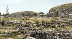 Roman Ruins and Condeixa-a-Velha Church. Coninbriga, Portugal (Rubem Jr) Tags: coimbra romans ruins ruínas romanruin europa europe portugal church igreja coninbriga