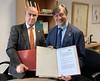 Fundación Carolina y la Organización de Estados Iberoamericanos para la Educación, la Ciencia y la Cultura (OEI) firman acuerdo de colaboración. Madrid, 16 de diciembre de 2019
