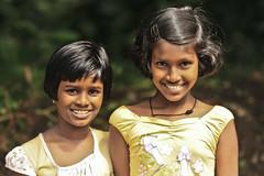 smile (Zoom58.9) Tags: smile childs friends srilanka
