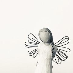 (Christelle Diawara) Tags: angel willowtree spiritofchristmas susanlordi espritdenoël handmade macromondays