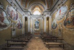 Mark 11:23 (Fragile Decay) Tags: chiesa chapel golden painting abandonded forgotten fragiledecay forbidden italie empty