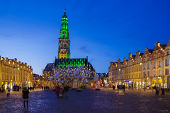11/12/2019-Place des Héros (Alexandre LAVIGNE) Tags: hôteldeville pentaxhddfa2470mmf28edsdmwr pentaxk1 heurebleue 2019 arras beffroi illuminations pentax place ambiance couleurs k1 lumière monument night nuit public ville pasdecalais france