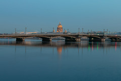 Until the Lights Come On - Пока не зажглись огни (Valery Parshin) Tags: canoneos70d sigma1750mmf28exdcoshsm stpetersburg saintpetersburg russia water evening neva ngc bridge reflection blue