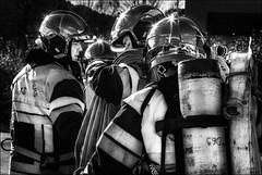Casques étoilés /  Starred helmets (vedebe) Tags: pompiers fire feu casque etoiles reflets ville city rue street urbain urban noiretblanc netb nb bw monochrome travail work hommes humain human people