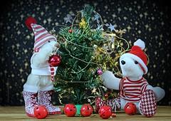 🎅 DO YOU LIKE OUR NEW CHRISTMAS-BOOTS ?  WAT VINDEN JULLIE VAN ONZE  KERSTLAARZEN ? (Anne-Miek Bibbe) Tags: crazytuesday happyteddybeartuesday christmas christmastree kerstmis kerstboom photography speelgoed toy spielzeug giocattoli juguetes bringuedos jouets bear teddybear beertje teddybeer beer speelgoedbeer nounours minibeer minibear canoneos70d annemiekbibbe bibbe nederland 2019 tabletopphotography