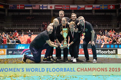 2019 WFC - Sweden v Switzerland BILD4212 (swiss unihockey) Tags: floorball iff innebandy internationalfloorballfederation neuchâtel neuenburg salibandy sweden unihockey wfc wfc2019 worldchampion worldfloorballchampionships floorballized staff wfcneuchâtel wfcneuchâtel2019 women