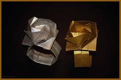 Origami Ring of Rose (Shin Han-Gyo) (De Rode Olifant) Tags: christmasdecoration crazytuesday origami origamiringofrose origamirose origamiring marjansmeijsters shinhangyo koreanconventionbook2009 diagrams 3d paper papiroflexia xmas origaminapkinring origamiserviettering rose ring bijouterie