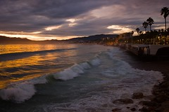 Plage du Midi, Cannes. (suebr) Tags: novembre2019 city coastal ville summicrontl23mmf2asph leicacldigital leica suddelafrance southoffrance frenchriviera unusual mediterranean sea storm afterstorm waves beach france sunset twilight borddemer orage exceptionnel cotedazur alpesmaritimes 06 intemperies aprèsorages vagues méditerranée mer plage plagedumidi cannes