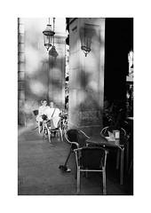 Barcelona (Koprek) Tags: barcelona spain film analog 135mm kodaktrix 400 konicahexaraf streetphotography stphotographia stphotography street