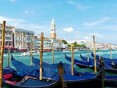 P1960941 (alainazer) Tags: venezia venise italia italie italy eau acqua water mer mare sea ciel cielo sky bateau boat bâtiment building architecture ville city citta