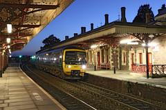 166217 Class 166 (Roger Wasley) Tags: 166217 class166 networkturboexpress gwr greatmalvern station worcestershire train diesel engine greatwesternrailway dmu
