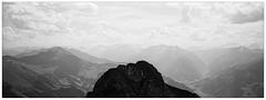 mein erster Gipfel als verheirateter Mann (fluffisch) Tags: fluffisch rauris pinzgau hohetauern ritterkopf hasselblad xpan panorama 45mmf40 rangefinder messsucher analog film adox cms20 cms20ii adotechiv
