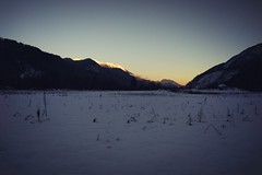 Just a snapshot... (LB1415) Tags: sunset winter december snow smartphone outdoor landscape mountains valley lb1415 allrightsreserved cool light xiaomi redmi interesting