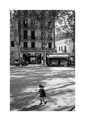 Barcelona (Koprek) Tags: film analog 135mm barcelona spain streetphotography stphotographia stphotography street kodaktrix 400 konicahexaraf october 2019