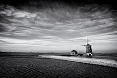 Texel (fredbervoets.com) Tags: architectuur dorpsgezicht eiland gemaal landschap molen molenhetnoorden natuurmonumenten noordholland oosterend polder water natuurmonument polderlandschap texel waterbouwkunde windmolen absoluteblackandwhite