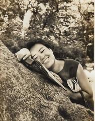 kim - Seoul, Korea, 1968 (the foreign photographer - ฝรั่งถ่) Tags: kim girl woman seoul korea 1968 black white big smile