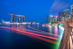Light streaks (Shutter wide shut) Tags: artssciencemuseum bluehour cityscape jubileebridge lightstreaks longexposure mbs marinabay singapore sonyvariotessarfe1635f4zaoss sonya7r3 sonya7riii twilight wideangle