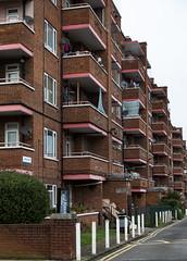 Cross Court, Denmark Hill (London Less Travelled) Tags: uk unitedkingdom britain england london southlondon southwark city urban suburban suburb suburbs suburbia building apartment housing council socialhousing denmarkhill