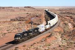 NS 7705, WB, E. HOLBROOK, AZ 12-17-19 (TRAINFLAMES) Tags: norfolksouthern ns ge es40dc intermodaltrain stacktrain train signals transcon gallupsub holbrook arizona bnsf