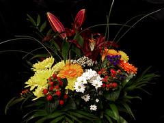 Vielen Dank! - Thank you! (ingrid eulenfan) Tags: blumen flowers blumenstraus bunchofflowers colorful chrysanthemen rosen lilie gerbera bouquet flickrfriends tamron1750mmf28