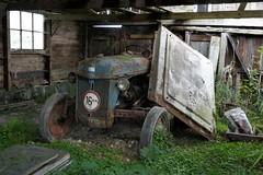 In hiding (Ford) (drager meurtant) Tags: tractor vintage antique schuur shed noordholland dragermeurtant abandonned