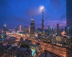 Dubai - Skylien Views (030mm-photography) Tags: rot dubai skyline blauestunde bluehour burj burjdubai burjkhalifa city cityscape stadt morgen nightshot nachtaufnahme morning blue blau skyscraper hochhäuser uae vereinigtearabischeemirate vae reise travel landscape landschaft