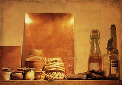 corner in the Rembrandt House (kelsk) Tags: rembrandthuis houseofrembrandt gebruiksvoorwerpenvooretsen utensilsforetching kelskphotography amsterdam noordholland holland nederland netherlands textuur texture koper copper rembrandt schilder painter etcher etser