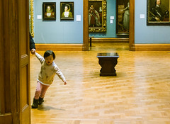 The National Gallery (dominiquita52) Tags: streetphotography museum nationalgallery london child enfant