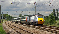 43296, Potters Bar (Jason 87030) Tags: eastcoast ecml pottersbar cano hst intercity125 powercar nx class43 golfcourse lineside shot tren train speed fast silver white highspeedtrain transport work travel uk iconic classic frame border wires tracks curve england