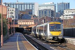 168329 Class 168 (Roger Wasley) Tags: 168329 class168 dmu chiltern railways birmingham moorstreet station train engine diesel