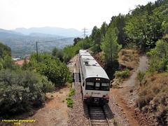 Tren de media distancia de Renfe (Línea Xàtiva-Alcoi) a su paso por COCENTAINA (Alicante) (fernanchel) Tags: adif ciudades cocentaina renfe alicante alacant spain поезд bahnhöfe railway station estacion ferrocarril tren treno train md mediadistancia regional jativaalcoy xàtivaalcoi s592 592 atomico 592201 火車