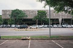 (victortsu) Tags: architecture architectureschool arquitetura brasil brazil brutalism brutalisme brutalismo brésil béton bétonbrut concrete concreto faculdadedearquiteturaeurbanismo fauusp joãobatistavilanovaartigas ricohgr ricohgrii school sãopaulo victortsu vilanovaartigas