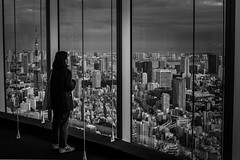 Awestruck (Stuart_Byles) Tags: ropongihills moribuilding viewer ropongi gazing architecture lookingout japan awestruck tokyo observatory