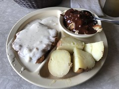 Chicken Fried Steak with White Gravy, Pell City Steakhouse, Pell City AL (Deep Fried Kudzu) Tags: pell city alabama steak house steakhouse lunch country fried white gravy red boiled potatoes strawberry cobbler
