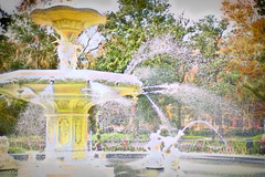 Forsythe Fountain (paulgarf53) Tags: forsythepark fountain water spray savannah georgia topaz topazstudio2 nikon d700 glow