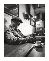 Pause-café. (streetspirit13) Tags: people candidstreetphotography bnwphotographer bnwphotography bnwdemands streetportrait bistrot bw blackandwhite blancoynegro blackbackground marseille