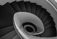 Modern Staircase (michael_hamburg69) Tags: braunschweig germany deutschland brunswick niedersachsen treppe stairs lilienthalplatz1 lilienthalhaus flughafenviertel atrium officebuilding bürohaus architektenrüdiger