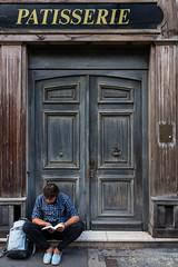 Rue des Archives, Paris (Ivan van Nek) Tags: ruedesarchives paris france îledefrance 75 parijs frankrijk frankreich doorsandwindows tür porte deur door patisserie banketbakker nikon d7200 sigma1770 streetphotography
