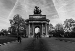 Wellington Arch (Bryan Appleyard) Tags: wellington arch london hydeparkcorner war memorial