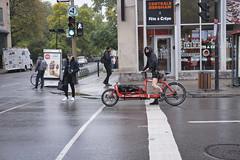 Montreal (Richard Pilon) Tags: street candid montreal fujixt3 urbanphotography streetphotography fujifilm fujinon35mmf2