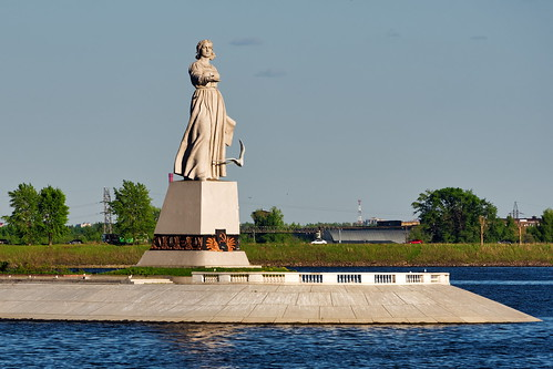 Mother Volga monument 2 ©  Alexxx Malev