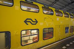 De laatste dagen van de Bizon (Tim Boric) Tags: trein train zug bahn railways spoorwegen ns dubbeldekker doubledecker ddm ddm1 bizon 6903 postzegelen