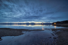 Blue hour (Chiemsee, Malerwinkel) (Alexander Kraus) Tags: laowa zerod 12mm morning dawning ultrawide dawn lake water sky clouds blue hour boardwalk steg malerwinkel 2812mm