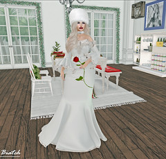 Showing off my dress, strike a pose ;-) (Biatch Fenwitch) Tags: sona moonelixir ysoral yummy stealthic dtlposes öushk moscow dress kubanka furhat rose pose hom livingroom christmas garlands winter intrepid stealthicintrepid